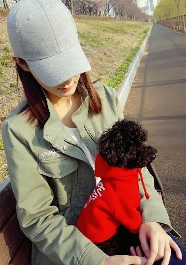EXO チャンヨル、実姉と散歩中の微笑ましいショットが話題に