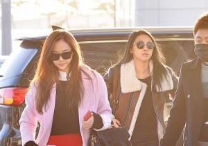 SISTAR、コートで個性をアピール!「2014 Mnet Asian Music Award」空港ファッション