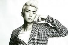 2PM ウヨン、カリスマ的な白黒ファッション
