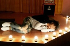 2PM WOOYOUNG、ステージで寝転ぶキュートな姿を公開!