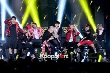 SEVENTEEN、SBS『THE SHOW』で「Adore U」を披露!
