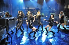 少女時代、アメリカで華々しいデビュー! 米最大のTV局看板トーク番組に出演