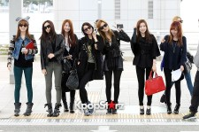 After School All Black Airport Fashion on Way to Music Bank World Tour