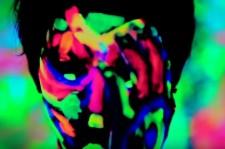 CODE-V、斬新なミュージックビデオを公開(動画)