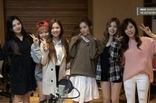 """少女時代サニー、Red Velvetとラジオ番組で記念ショット!""""6人組みたい"""""""