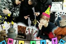 CROSS GENE YONGSEOK、メンバーに囲まれた誕生日パーティー記念ショット公開!