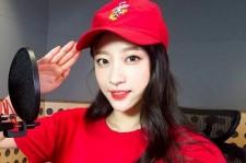 EXIDハニ、海兵隊の服を着て敬礼ポーズで爽やかな魅力!
