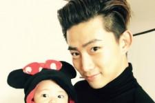 2PMテギョン、姪っ子を抱っこした微笑ましい日常写真公開!