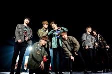 iKON、メンバー感涙!大阪城ホールにてサプライズづくしの日本ツアーファイナル