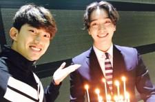 2PMチャンソン、テギョンと一緒にキラキラ輝く笑顔!「義理男」