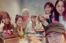 少女時代、ユナ&サニーの誕生日パーティーの様子を公開!