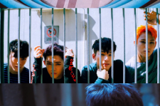 """""""完全体カムバック準備中""""SEVENTEEN、ヒップホップユニットによる「Check-In」MV電撃公開!"""