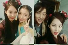 少女時代ソヒョン、伝統衣装姿でドラマ共演者と記念ショット!「ありがとうございました」