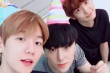 EXO チャンヨルら、ベクヒョンの誕生日をお祝いする姿がキャッチ!