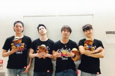 "CNBLUEジョン・ヨンファは、ハワイに夢中!?『2017 CNBLUE SPRING LIVE ""Shake Shake""』名古屋!"