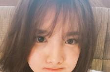 """TWICEナヨン、お茶目な3種のセルフショット公開!""""すごく可愛い~"""""""