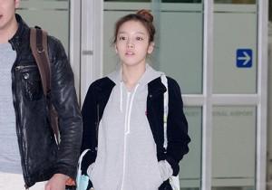 KARA ク・ハラのすっぴん空港ファッション 個人スケジュール終え日本から帰国
