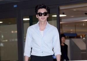 ヒョンビンの空港ファッション アジアファンミーティングツアー終え帰国