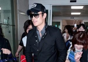イ・ビョンホンの空港ファッション 映画『レッド2』アフレコ終え米より帰国