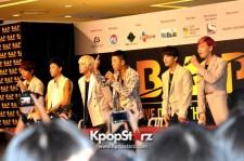 B.A.P 「Live On Earth」シンガポール公演記者会見で現地ファンに成功誓う