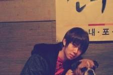 SUPER JUNIOR ヒチョル、犬と一緒にツーショット