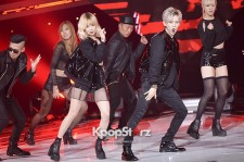 Trouble Maker、『THE SHOW』で息の合った熱いステージ披露