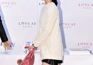f(x)、フェミニン&クールなファッションで「LOVCAT」ファンサイン会に出席