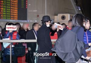 オダギリジョーのクールな空港ファッション、映画「舟を編む」イベントで韓国へ