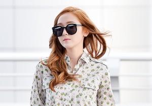 少女時代の空港ファッション②風に揺れるジェシカのミニスカート!
