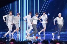 ''彼氏みたいなアイドル''HALO、MBC 『Show Champion』で、新曲「FEVER」を披露【写真】