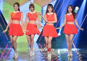 真っ赤なプリーツスカートでキュートなステージ。Girl's Day,MBC『Show Champion』【写真】