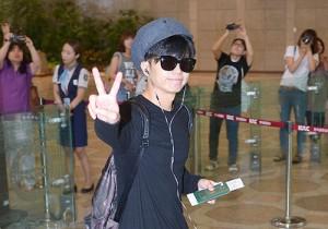 2PM、帽子を活かした空港ファッション!「ミュージック・ジャパン」収録のため日本へ