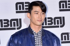 2PM テギョン、ブルーで統一したスタイルで爽やかに登場!「MARC BY MARC JACOBS」イベント