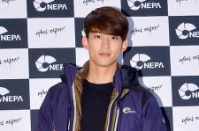 2PM テギョン、爽やかさ全開の笑顔で「NEPA」オープンイベントに登場