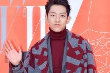 CNBLUE イ・ジョンシン、乳がん啓発キャンペーン「LOVE YOUR W」にオシャレコートでカッコよく登場